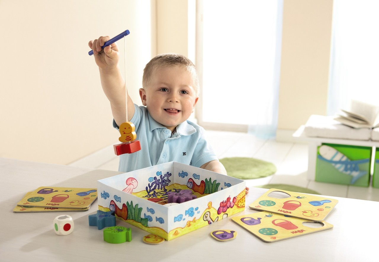 We all know there are board games for 2 year olds, and of course plenty of board games for 3 year olds. But did you know there are board games for toddlers as young as one? Yep! And many board games for preschoolers are also appropriate for toddlers.
